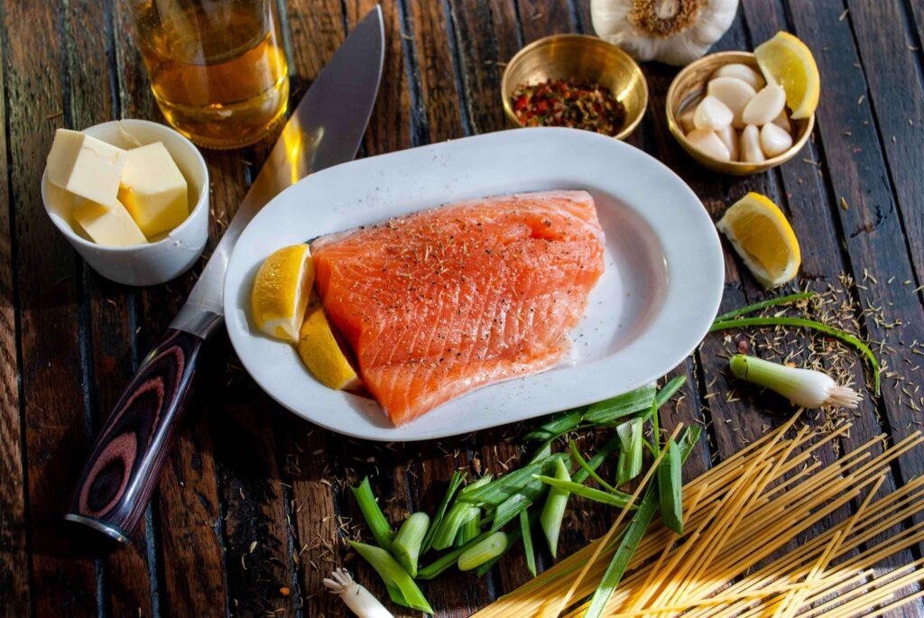 Łosoś - tłuste ryby - źródło zdrowych tłuszczy